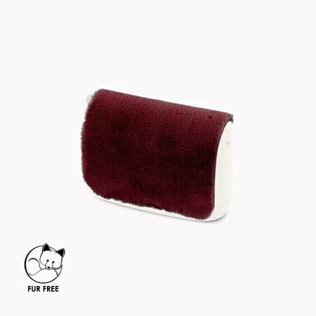 O bag pocket flap faux lapin rex fur bordeaux