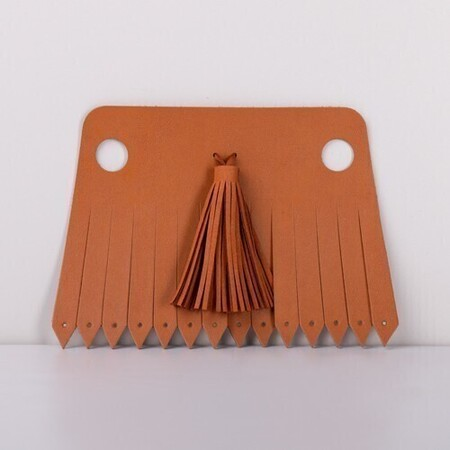 J-Tassel light brown