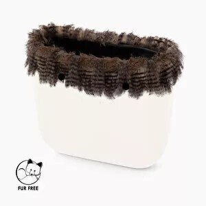 O bag classic trim faux fur soft lines sand